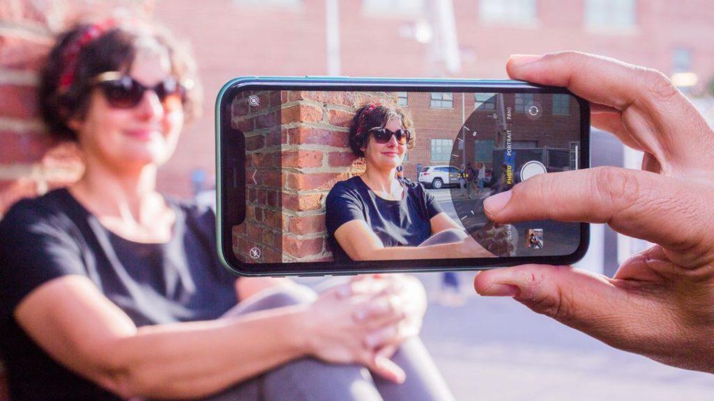 Выведенная на новый уровень технология Smart HDR гарантирует высочайшую детализацию фотоснимков