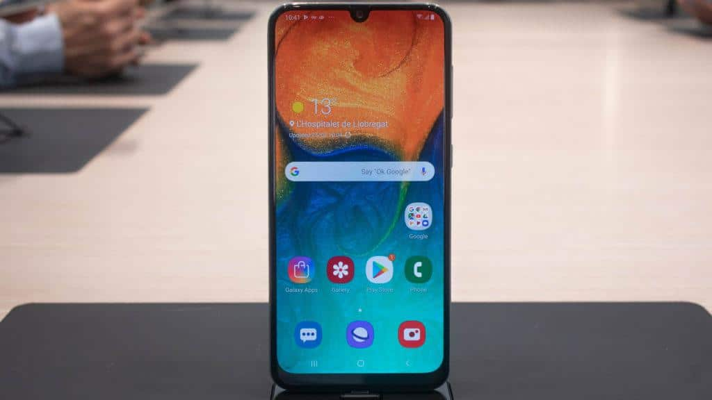 Лучший смартфон Samsung 2020 года до 15 000 рублей