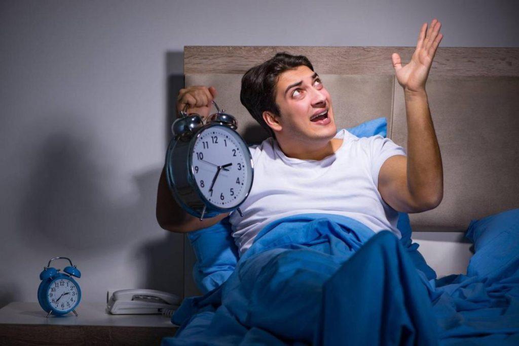 Если человек спит, и уровень звукового давления резко поднимется с 5 дБ до 15 дБ, он может проснуться
